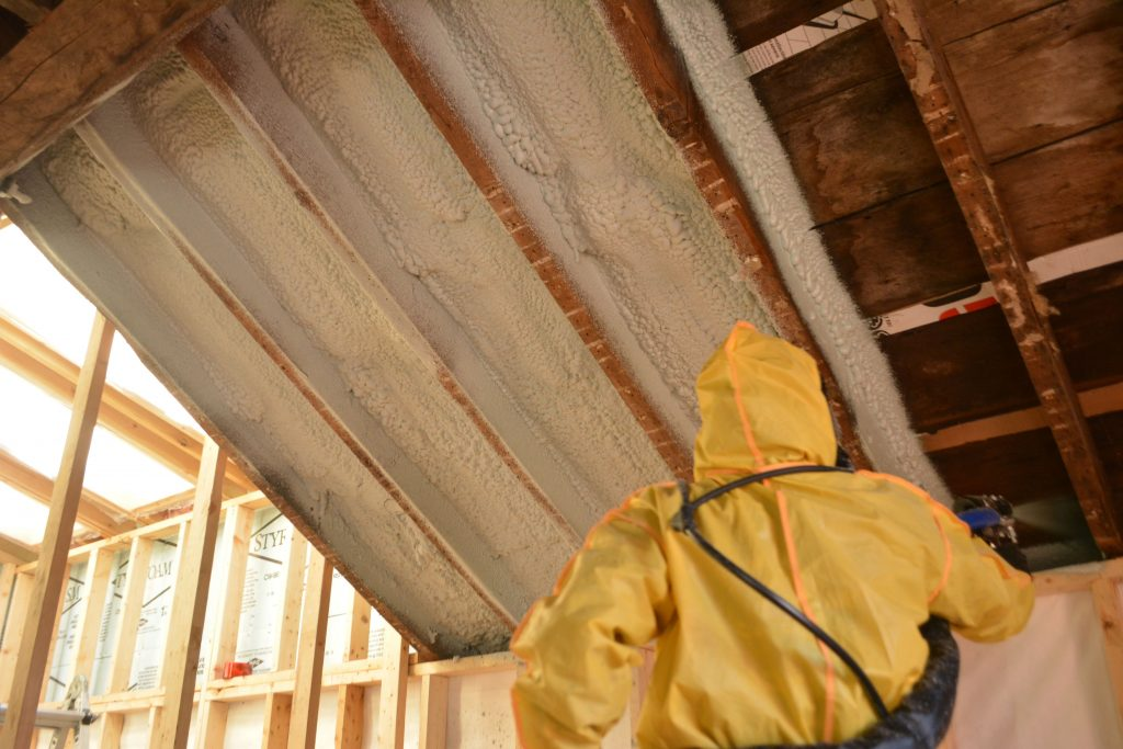 spray foam insulation installation waterloo