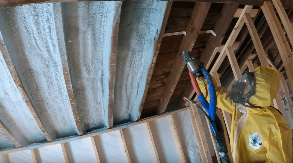 Spray foam insulation service